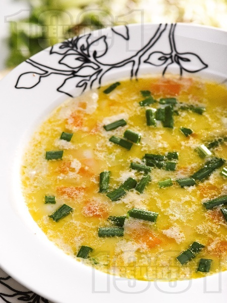 Зеленчукова супа от тиквички, моркови и лук - снимка на рецептата